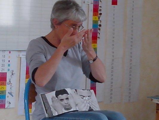 langue-des-signes-10